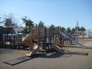 雄物川中央公園  遊具